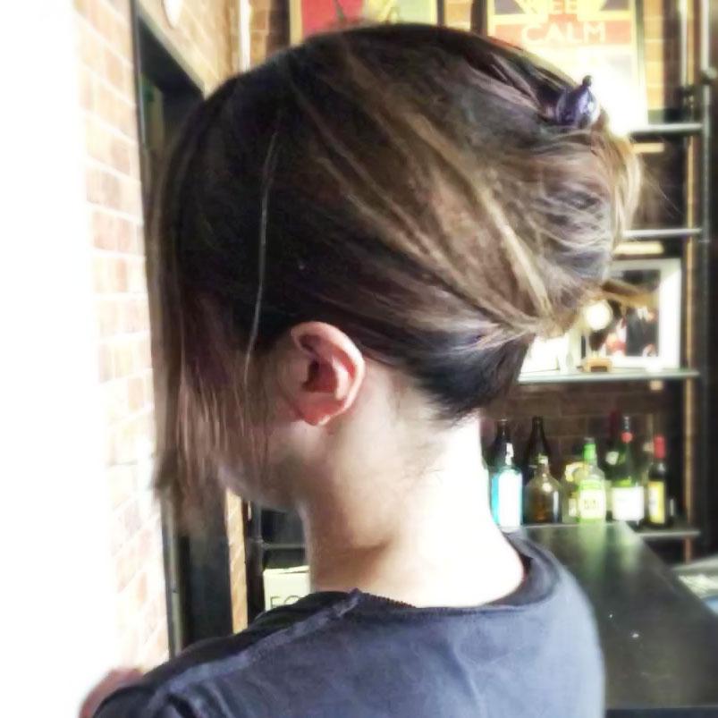簪でまとめた髪