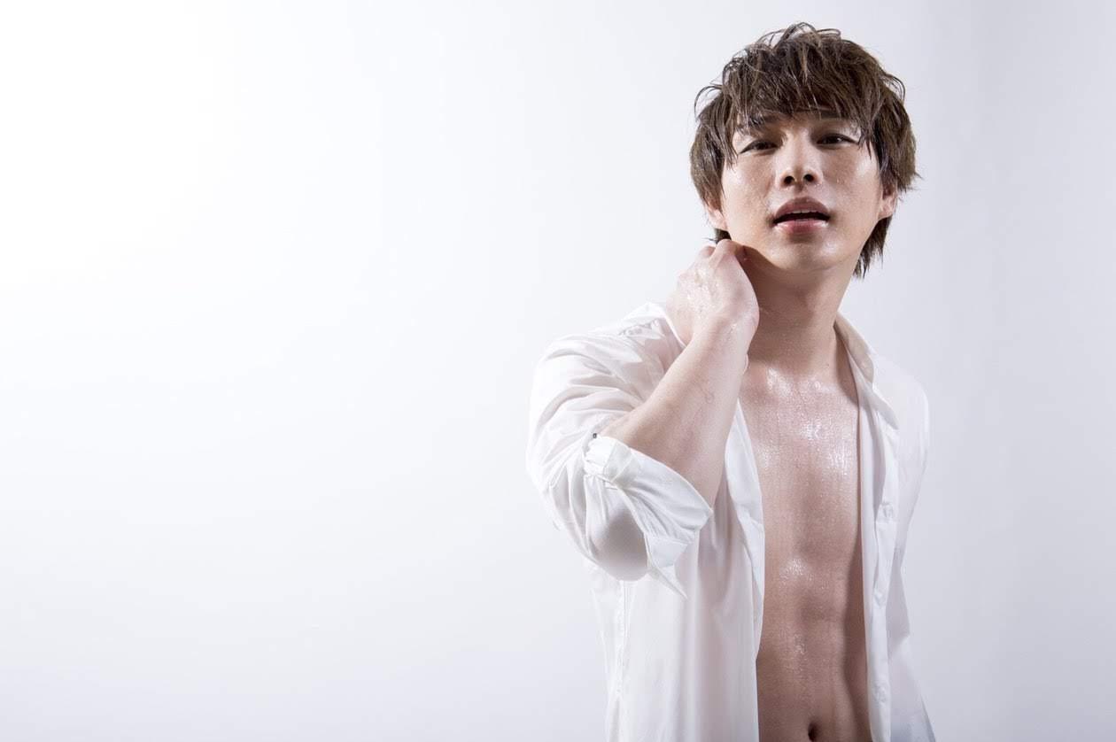 上裸Takuya