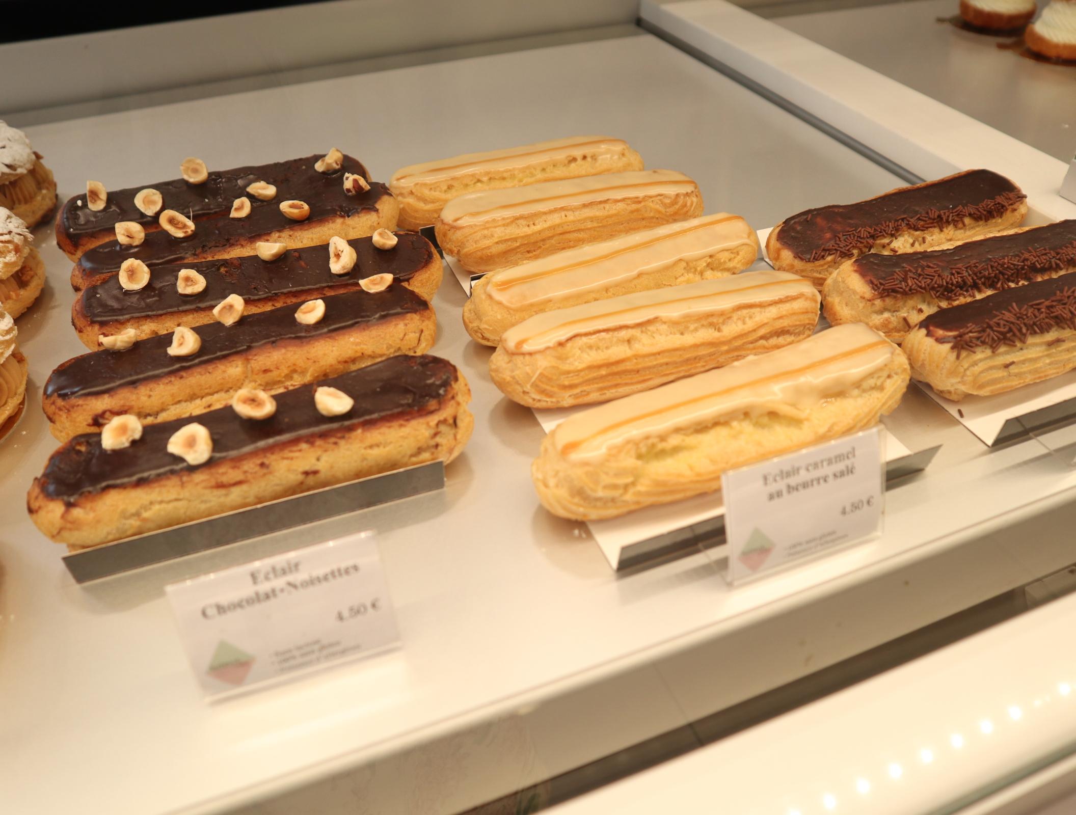 Helmutnewcakeのケーキ
