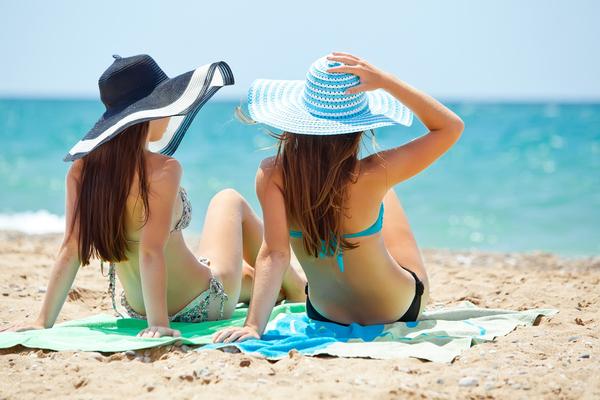 ビーチの女性たち