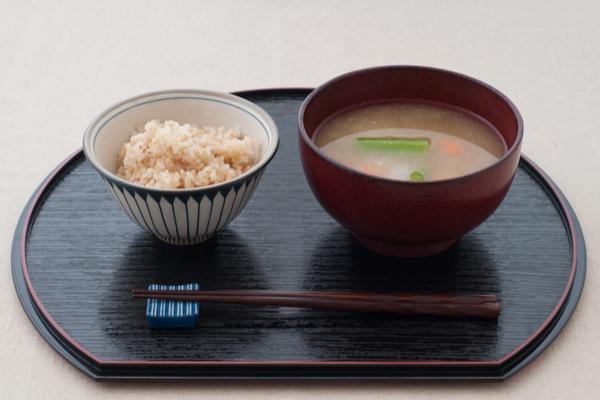 玄米とみそ汁